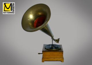"""Zdjęcie nr 2: Gramofon  """"Parlophone"""" w zbiorach MPiT we Wrocławiu, nr inwentarza: MPiT/T-I-507/2"""
