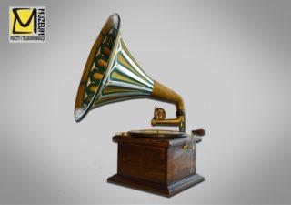 Zdjęcie nr 1: Gramofon w zbiorach MPiT we Wrocławiu, nr inwentarza: MPiT/T-I-507/1